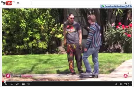 how to add youtube video in html5 video tag