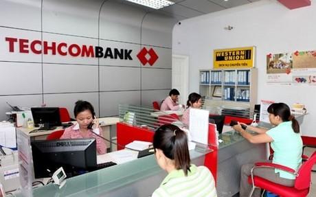 techcombank lam viec thu 7