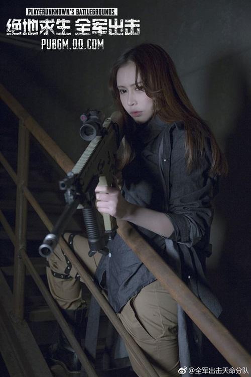 nu hot girl dien chuan than thai chien binh pubg mobile trong bo cosplay moi 2